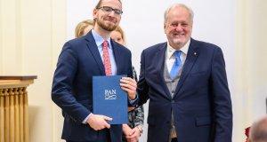 Stypendium Prezesa PAN dla mgr. Adama Olejniczaka